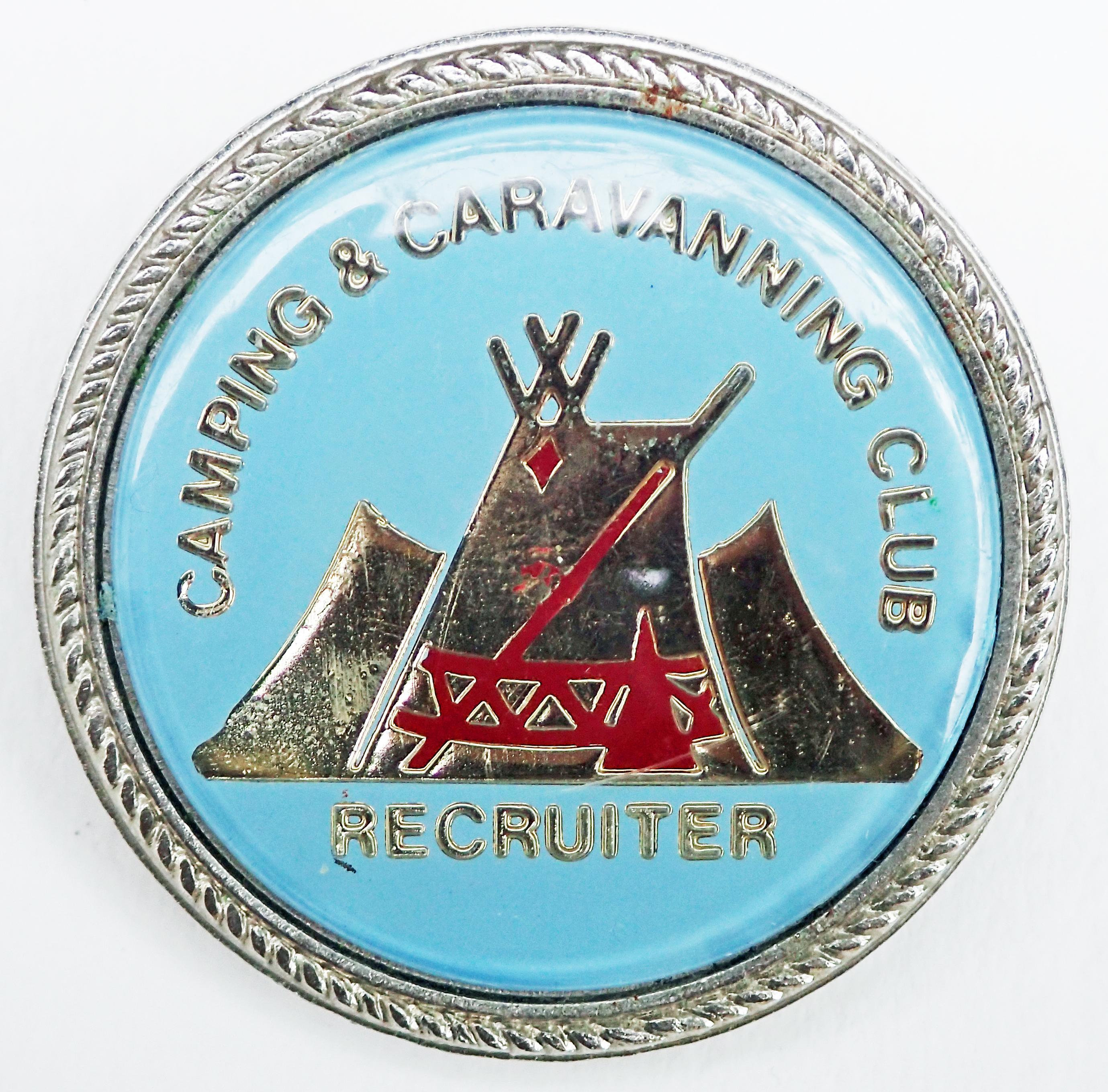 Recruiter badge. Patterned edge.  Pin back. 29.50mm. No maker's name