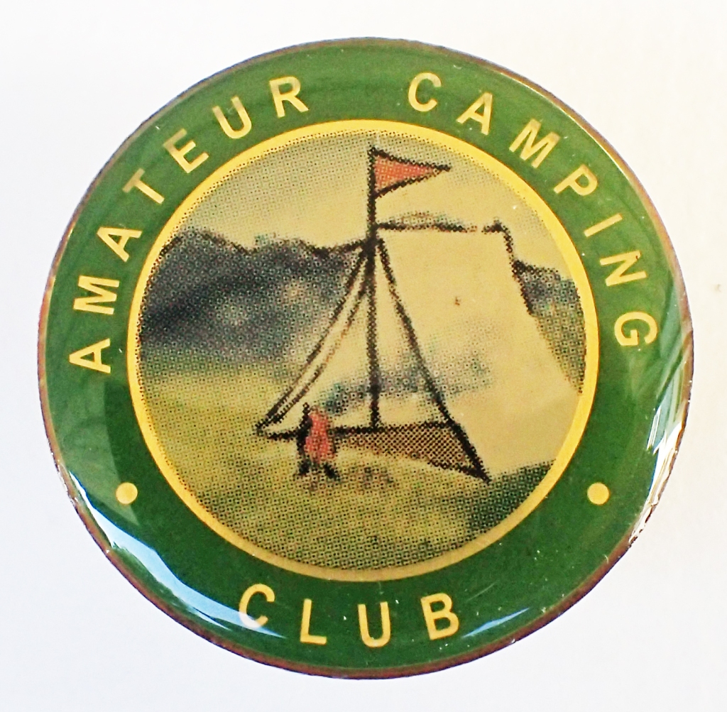 2001 reproduction badge by SMT Associates for the Camping & Caravanning Club. Butterfly clasp. 29mm