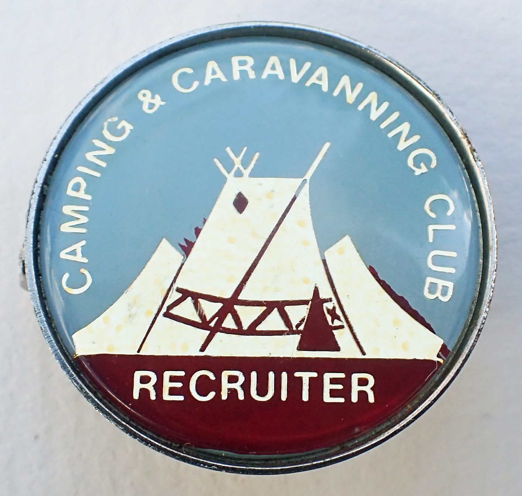Camping Club Recruiter. Pre 1983.  Brooch pin with safety wheel. 27mm. No makers name