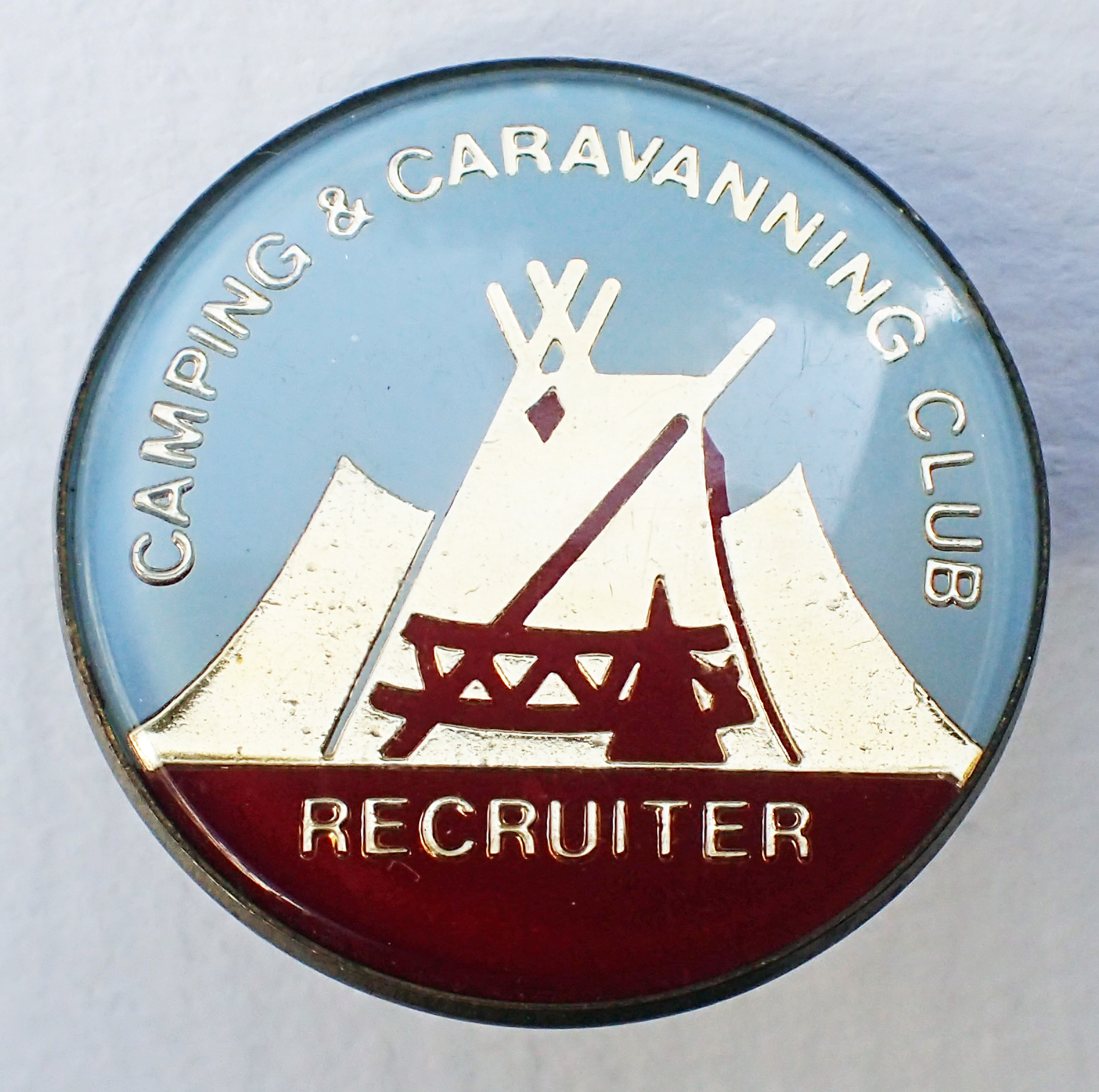 Camping Club Recruiter. Pre 1983.  Pin. 26mm. No makers name